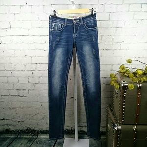 Downeast Distressed Skinny Jeans With Sequins 26